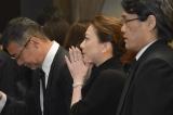 川島なお美さんの葬儀に参列した西川史子