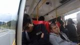 NHK・BSプレミアムで4月30日放送される『チョイ住み in 台北』移動中の車中で居眠りする2人