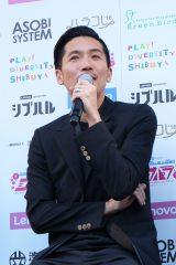 渋谷ハチ公前広場で行われた発表会に登壇したZeebra氏 (C)oricon ME inc.