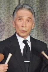 前田健さん通夜、700人が参列