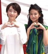 初恋成就神社オープン記念イベントに出席した波瑠(左)と清水富美加 (C)ORICON NewS inc.