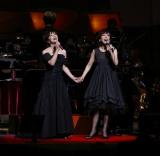 8年ぶりの姉妹ライブが決まった(左から)岩崎宏美、岩崎良美