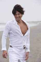 初のフォトブックを発売する水球の保田賢也選手 (C)トゥインクルコーポレーション