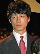 映画『64-ロクヨン-前編』初日舞台あいさつに登壇した坂口健太郎