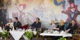 英ロンドンで行われた映画『アリス・イン・ワンダーランド/時間の旅』(7月1日公開)の記者会見の模様
