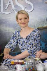英ロンドンで行われた映画『アリス・イン・ワンダーランド/時間の旅』(7月1日公開)の記者会見の模様。ミア・ワシコウスカ