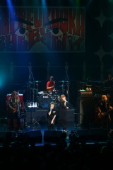 『Zepp福岡Bye Bye バイ』に出演したPUFFY 写真:山本倫子