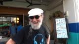 プーケット旧市街地でカフェ巡りをするミッキー・カーチス