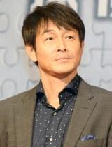 映画『探偵ミタライの事件簿 星籠の海』完成披露イベントに登壇した吉田栄作