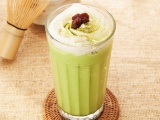 カフェ&ベーカリー「MIYABI CAFE」の夏季限定『宇治抹茶フローズン』
