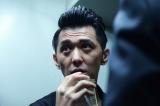 NAOTOたちを追い詰める裏社会の組織のリーダー・足利役で出演する村上淳(C)NH Project