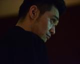 テレビ東京系ドラマ24『ナイトヒーロー NAOTO』にNAOTOたちを追い詰める裏社会の組織のリーダー・足利役で出演する村上淳(C)NH Project