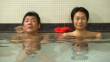 第7話(5月21日放送)にゲスト出演する赤井英和(左)と主演の戸次重幸(C)テレビ東京