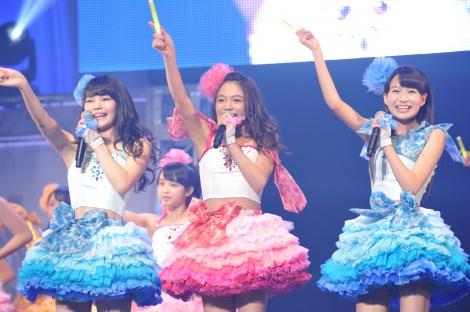 7月に2ndシングルをリリースすることが決まった「ふわふわ」(左から)平塚日菜、岩崎春果、中野あいみ