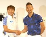 (左から)プロゴルファー・片山晋呉選手、中田氏 (C)ORICON NewS inc.