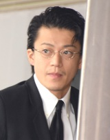 蜷川幸雄さんの告別式に参列した小栗旬 (C)ORICON NewS inc.