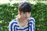 小松菜奈がdTVオリジナルキャストで登場。名門私立大学でテニス一筋のスポ根少女・由布子を演じる