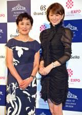 『第2回 Women of Excellence Awards』で受賞した(左から)国谷裕子氏、米倉涼子 (C)ORICON NewS inc.