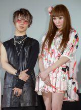 映画『少女椿』の初日舞台あいさつに出席した(左から)武瑠、TORICO監督 (C)ORICON NewS inc.