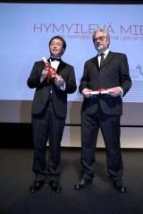 深田晃司監督(左)と、特別賞を受賞した『レッドタートル』のマイケル・デュドク・ドゥ・ヴィット監督(C)Kazuko Wakayama