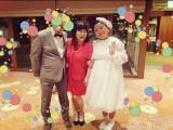 出雲大社で結婚式を終えたことを報告したニッチェ江上敬子(右)