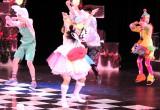 きゃりーぱみゅぱみゅ風衣装で全力のダンスを披露した加藤涼=舞台『Goodbye, Snow White』ゲネプロの模様 (C)ORICON NewS inc.
