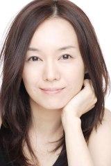 花山伊佐次の妻・花山三枝子役で出演する奥貫薫