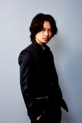 フルCG長編作品『KINGSGLAIVE FINAL FANTASY XV』(7月9日公開)のニックス役に起用された綾野剛