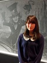 黒板アートが話題のれなれなさん。東京・汐留の日本テレビ2階で『アリスと時間のアート展』(6月4日〜12日)に作品を出品 (C)ORICON NewS inc.