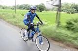 自転車でジャカルタ-スラバヤ間の800キロを走破したJKT48の仲川遥香