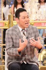 8日放送の日本テレビ系バラエティ『1周回って知らない話』(後7:00)でMCを務める東野幸治 (C)日本テレビ