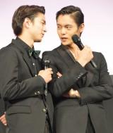 映画『MARS(マース)〜ただ、君を愛してる〜』サプライズ舞台あいさつに出席した(左から)稲葉友、窪田正孝 (C)ORICON NewS inc.