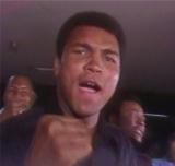 6月12日、テレビ朝日系でモハメド・アリ追悼番組を緊急放送。アリの偉大な生涯を振り返る。写真は1976年6月26日に行われた伝説の「猪木vsアリ」戦より(C)テレビ朝日