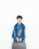 デニム素材の和装を着こなすゆうたろう=『ar』(主婦と生活社)7月号