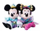 彦星と織姫に扮したミッキーマウスとミニーマウスのぬいぐるみ(C)Disney