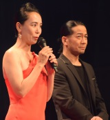 『ショートショートフィルムフェスティバル&アジア(SSFF&ASIA)2016』アワードセレモニーに出席した(左から)河瀬直美監督、HIRO (C)ORICON NewS inc.