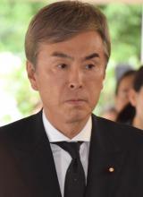 冨田勲さんの『お別れの会』に参列した石原伸晃氏 (C)ORICON NewS inc.