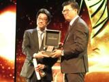 『第19回上海国際映画祭』に出席した阪本順治監督(左) (C)2016「団地」製作委員会