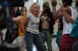 『ヤング・アダルト・ニューヨーク』でヒップホップダンスに挑んだナオミ・ワッツ (C)2014 InterActiveCorp Films, LLC.