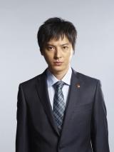 青山新役の塚本高史(C)テレビ朝日