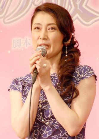 舞台『ガラスの仮面』製作発表記者会見に出席した一路真輝 (C)ORICON NewS inc.