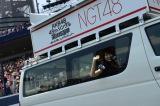 『第8回AKB48選抜総選挙』開票イベント前の昼公演でアピールするNGT48メンバー (C)AKS