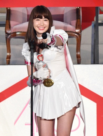 AKB48からの卒業を発表した小嶋陽菜 (C)AKS