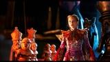 アリスを演じるのはミア・ワシコウスカ。映画『アリス・イン・ワンダーランド/時間の旅』(7月1日公開)(C)2016 Disney Enterprises, Inc. All Rights Reserved.