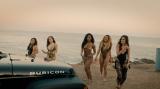 「オール・イン・マイ・ヘッド(フレックス)feat.フェティ・ワップ」のMVでは水着姿も初披露したフィフス・ハーモニー