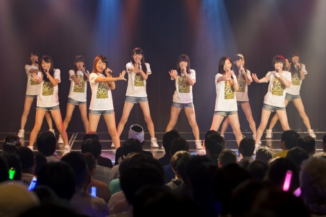 NMB48劇場でお披露目された5期生10人 (C)NMB48