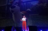 映画『ペット』のイメージソングを初披露した家入レオ