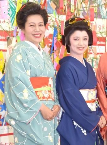 舞台『雪まろげ』製作発表会見に出席した(左から)青木さやか、榊原郁恵 (C)ORICON NewS inc.