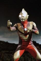 『ウルトラマン80』以来16年ぶり、1996年9月より放送された『ウルトラマンティガ』(C)円谷プロ