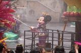 水浴びに大はしゃぎ!ディズニー夏イベントがお披露目/「ミニーのトロピカルスプラッシュ」(C)oricon ME inc.